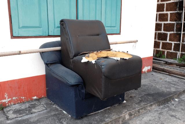 תיקון ספה שוקעת וקרועה